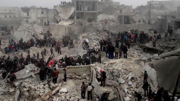 les-decombres-d-un-quartier-populaire-d-alep-frappe-par-un-missile-10865307gunao-1713.jpg